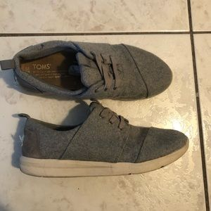 Tom's grey knit sneakers